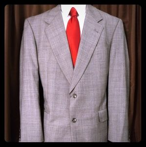 41L Hart Schaffner and Marx suit